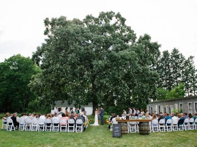 Outside ceremony at Badger Farms